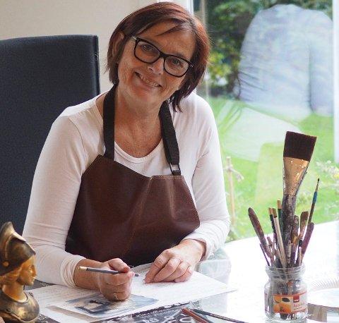 TIL TJØME: Holmestrand-kunstneren Kari Elisabeth Haug er neste utstiller i Kunstforeningen Verdens Ende.