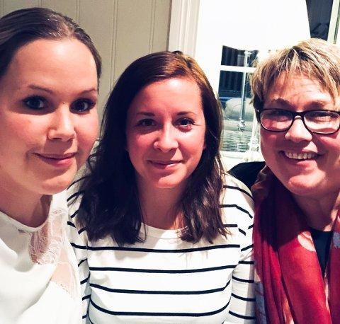 Dugnadsjentene har mye å gjøre i dag: Fra venstre. Trude Meisal, Connie Fernmar og Lena Tinghaug. Ingunn Gundersen er også med på laget, men er ikke med på bildet her.