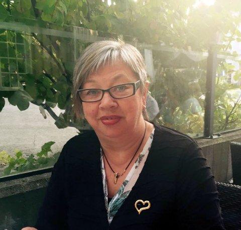 Emmy-Katrin Floer og Ann-Katrin Floer Stensen har tatt initativ til å få på plass kafe på 17.mai i Nordvågen. - Vi trenger enda noen som kan bidra, så ta kontakt oppfordrer Floer.