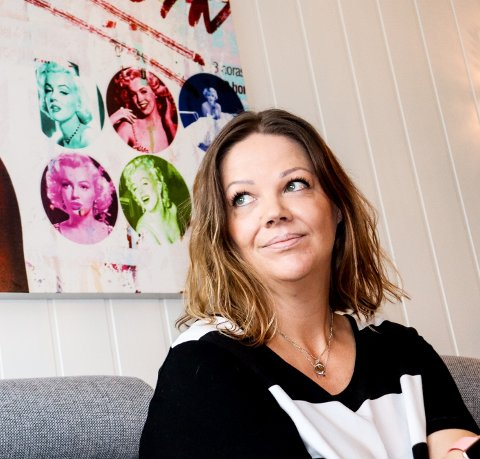 SJOKKERT: Line Benedicte Sandaker tør ikke tenke på hvordan bonusdøtrene hadde reagert hvis de hadde kommet over den mye omtalte selvmordsvideoen på Tiktok.
