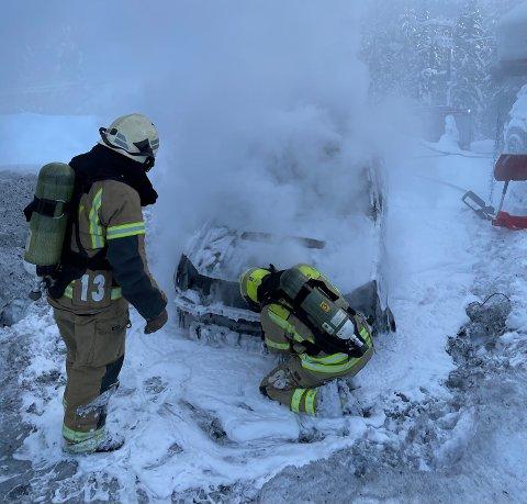 Brann: En bil ble totalskadd i en brann fredag.