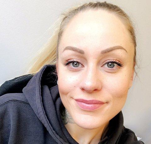 KOM SEG VIDERE: Charlotte gikk fra å være innlagt i nesten fire år på UNN Åsgård, til å benytte seg av dagtilbudet Sørslettveien. Nå studerer hun sykepleie i Oslo. - Livet jeg har i dag kan ikke sammenlignes med det jeg hadde før, sier hun.
