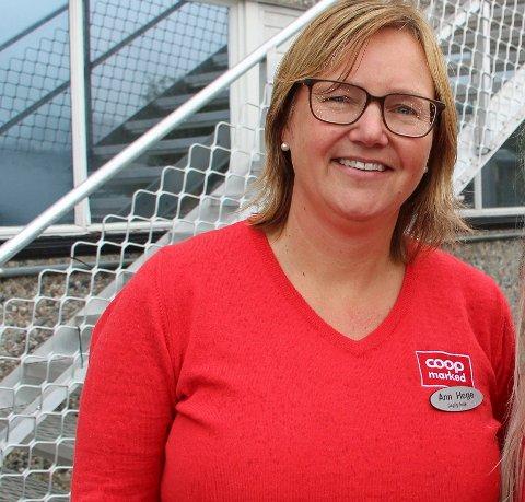 FORNØYD: Daglig leder Ann Hege Bekkevold i Coop på Trofors i Grane gleder seg muligheter som følger av fusjonen med Coop Nordland.