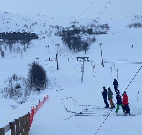 VAIEREN RØYK: Like før klokken 14 lørdag fant hendelsen sted i det populære alpinanlegget. Foto: Privat
