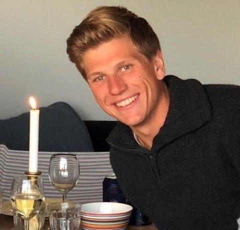 GLEDER SEG: Simon Torp (28) er den nye dommerfullmektigen i Aust-Telemark tingrett. Han gleder seg til en ny hverdag på Notodden.