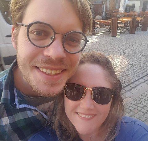 INFLUENSA: Malene og Magnus Franer-Erlingsen har fått influensa sammen med ett av sine tre barn. Nå røres de av rausheten rundt dem.