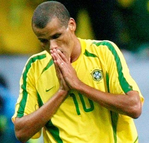 Rivaldo vant VM med Brasil i 2002, men ikke uten å dumme seg ut... (Arkivfoto: NTB scanpix)