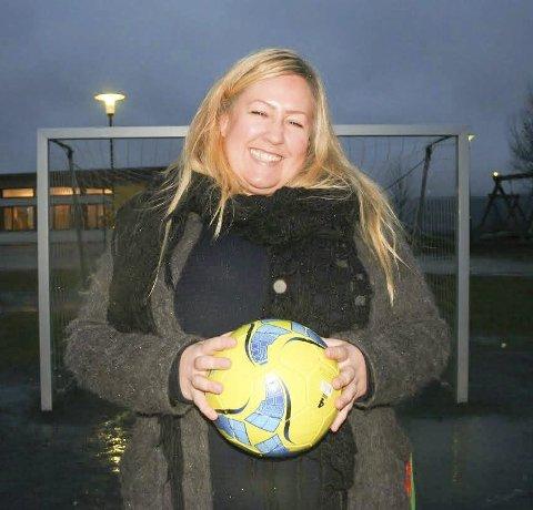 Glad i blaker: Nyvalgt leder av fotballgruppa, Heidi Westbye Nyhus, har et glødende engasjement for Blaker-fotballen. Foto: Trym Helbostad