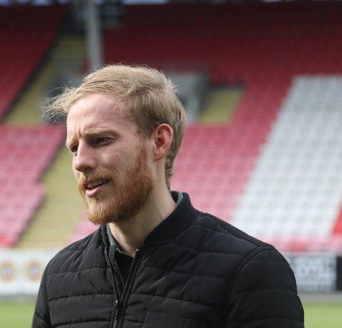 TAR INGEN RISIKO: Gjermund Åsen får pleie hamstringskaden, og vil ikke ta del i cupkampen mot Vålerenga torsdag. FOTO: Runar Henningsen.