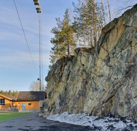 FJELLVEGG: Denne uken gikk Rælingen kommune ut på sin Facebook-side for å informere at det i en måneds tid vil være delvis avsperrede områder, som følge av sikringen.