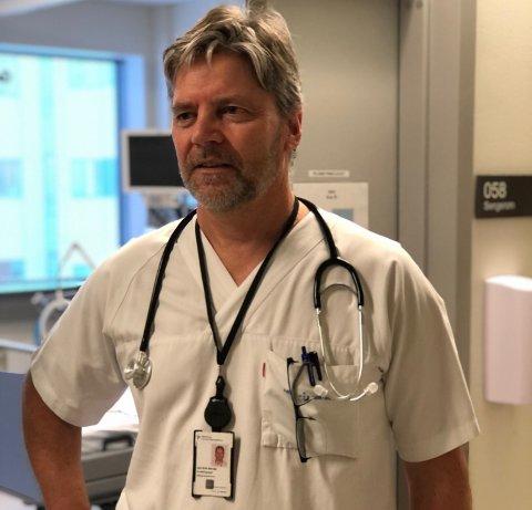 FORBEREDT: Selv om Ahus nå har rekordmange koronapasienter sier avdelingssjef Jan Erik Berdal at sykehuset er forberedt på situasjonen og har organisert driften og bemannet opp.