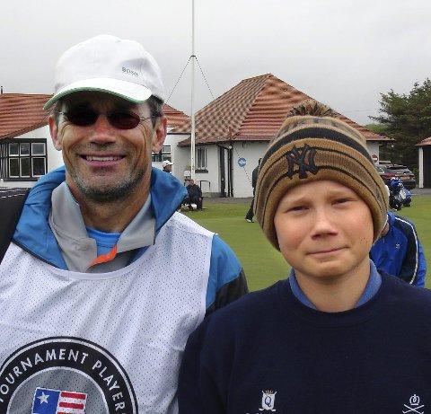 Året rundt: Eles Paltto og faren Jan Skoglund Paltto bor i Ciuda quesada i Spania på vinteren, slik at de får spille golf året rundt. Foto: Privat
