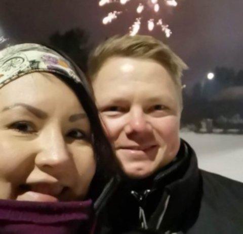 FORNØYDE HUSKJØPERE: Lise Krokmo og Atle Hætta kunne feire det nye året i ny bolig og i et nytt nabolag.