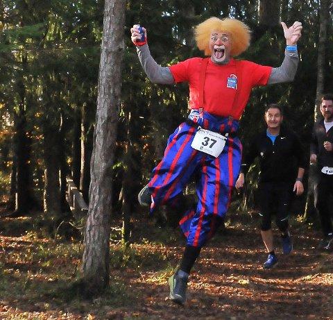 FORNØYD: Melvin er glad i å løpe. Nå skal han til Bislett for å delta i et 24-timers løp.