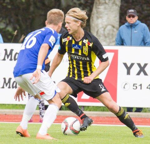 Morten Bjørlo lever av fotballen som 2. divisjonsspiller. Han har kontrakt med EIK og stortrives i Egersund. Nå skal han testes av Viking de to kommende ukene. (Foto: Olaf Omdal)