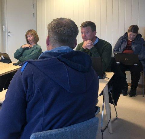 Birger Bakken (Ap) deler ikke skepsisen fra brannmesterne som har samlet seg om et brev hvor de er bekymret for hva som skjer dersom Grimstad også blir med i ØABV-samarbeidet.