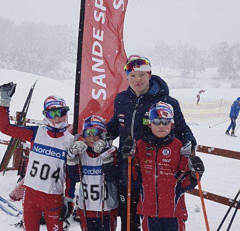 Fornøyde skiløpere: En glad gjeng på Jarseng i Skien. Fra venstre: Hans Øyvind Sundve, Kristiane Sundve, Andreas Sørsdal og Kristian Glad