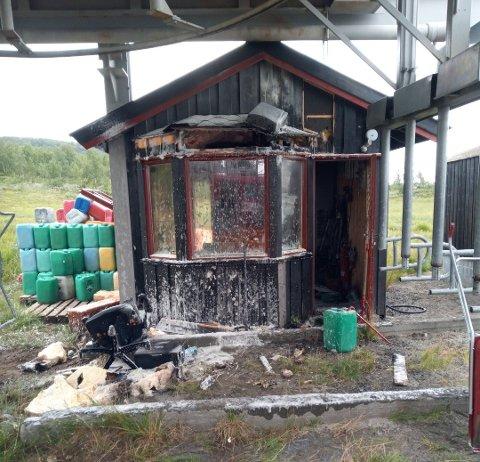 SKADD: Deler av heishuset til Knauseheisen måtte rives etter brannen i juli.