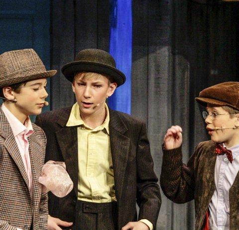 Banden: Fra v.: Henrik Bringanger (Benny),Aleksander Thunæs Hovland (Egon) og Kjell (Leo Zimmermann Gjermundsen)