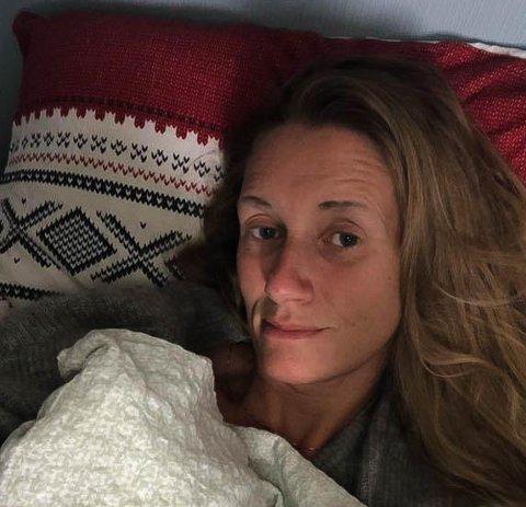 KORONASYK: Stine Malmquist fikk korona i april. Dette bildet er tatt i den perioden. Hun slet veldig med pusten. Privat