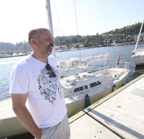 Ikke så dyrt: Jørn Finsrud betalte 21.000 kroner for denne 26 fots seilbåten.alle foto: Jarl Rehn-Erichsen