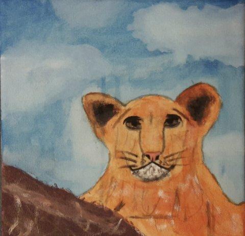 Løve: Hanne Mathildes  Nordbys maleri av en ung løve som hviler ut.alle foto: Julie Vega Dahl på savannen, kanskje har den vært på jakt?