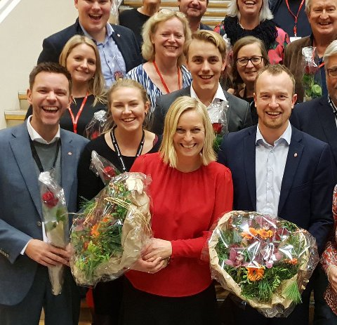 Fornøyde: En glad Arbeiderpartigruppe med Mette Kalve i front.foto: privat