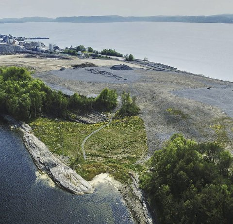 Alle politikerne i fylkestinget er invitert til Langøya 11. mars.