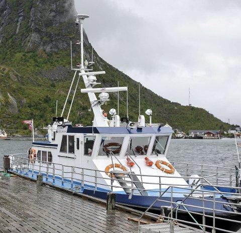 TRAFIKK: Det har vært travle dager for fergene i Reinefjorden.
