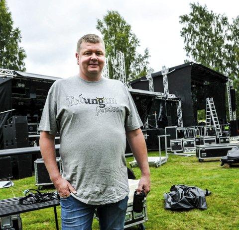 DYRT: Jørgen Solberg bestilte to store scener og droppet dugnadsarbeid da han prøvde å blåse nytt liv i Kartfestivalen i 2018. De to scenene bak han kostet ham  dyrt.