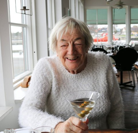 Margit Sandemo var med å opna den litterære verda opp for mange nye lesarar, seier Knut Aastad Bråten. Foto:Arkiv