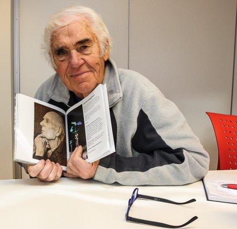 FORBILDE: - Einar Gerdhardsen, selve landsfaderen er mitt store forbilde, røper forfatter Knut Brandstorp som er klar med ny bok.