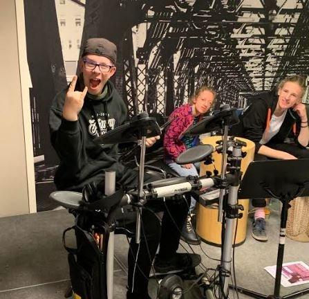 Mer musikk: Ekko får et bidrag på 20.000 kroner av Sparebankstiftelsen til flere instrumenter og instruktør.