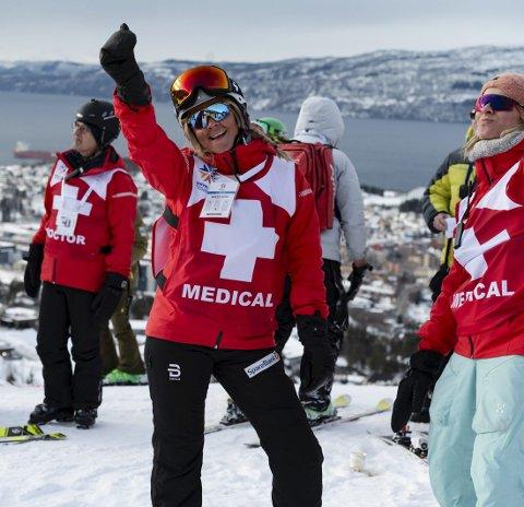 Imponerende: De frivillige har lagt ned en imponerende innsats under junior-VM i Narvik, og satt Narvik på kartet som en potensiell vertsby for et senior-VM. Her representert ved Ingrid Elise Heimdal og Anne S. Evju (til høyre). Dette ukesluttet eren hyllest til alle som har stått på til alle døgnets timer for å lage et mesterskap i verdensklasse.Foto: Kjell G. Karlsen