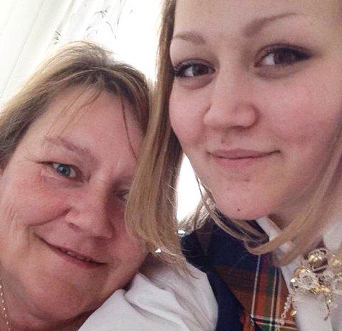 DRØM: - Det er mamma som har inspirert meg. Jeg vet at drømmen hennes er å komme tilbake i jobb, derfor gjør det så vondt å se at hun ikke får den hjelpen hun trenger for å bli frisk, sier Linn sammen med mamma Tove Magnussen Iversen.