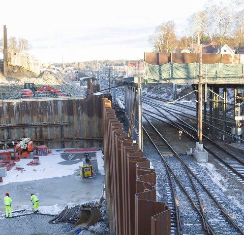 Henger: Arbeidet med Nordbyveien bro intensiveres.