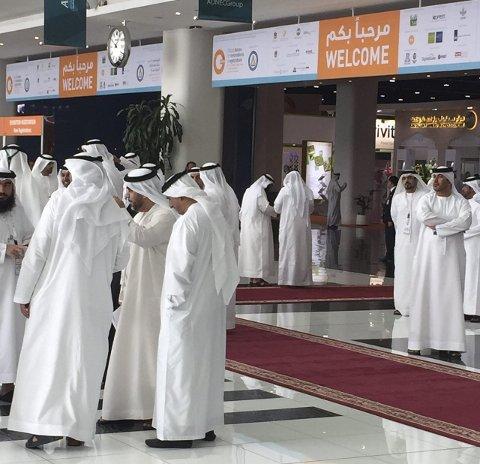 STORT BESØK: Messen i Abu Dhabi har besøk fra hele verden.
