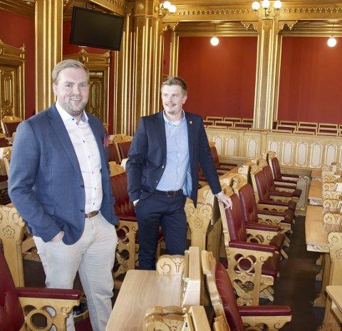 JO DA: De kunne godt tenke seg en plass på Stortinget, men både Christoffer Pederssen (t.v.) og Rikard Knutsen er unge, og ser dette for seg en gang inn i framtida.