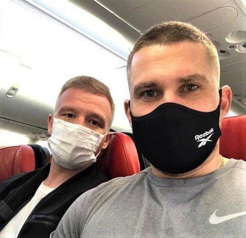 Endelig. Russere Andrei Gerasimov (32) og Andrei Glazer (31) er nå på plass i Sarpsborg, men før de kan spille med sine nye lagkamerater venter ti dager i karantene.