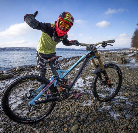 I FORM: Brage Vestavik føler seg i veldig bra form før han i helgen skal sykle EM i utforsykling i Portugal.                         FOTO: MAYHEM MEDIA
