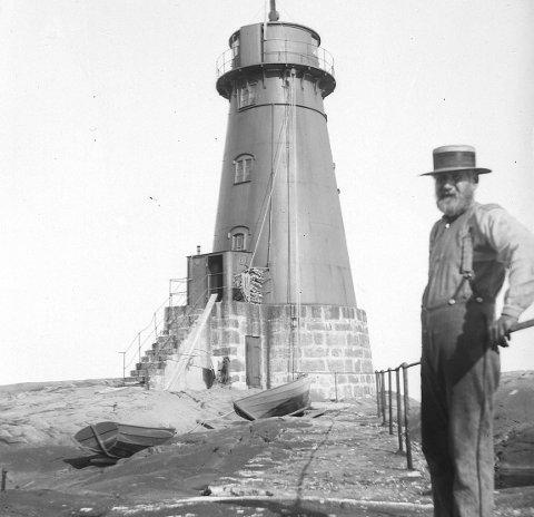 Anno 1888: Ytre Møkkalasset fyr er et eksempel på støpejernsfyr i vårt distrikt.