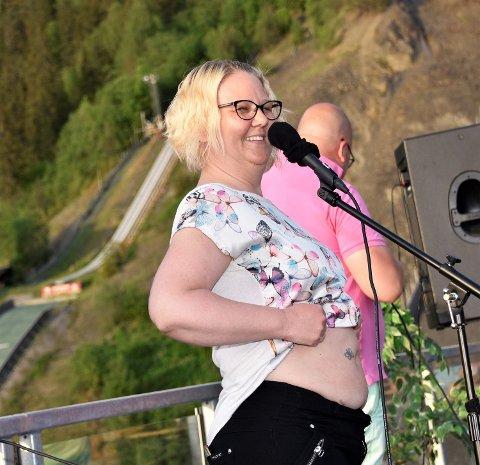 VISE MAGEN: Kirsti Haugan Laupet fikk folk til å le av sin beskrivelse av underlivsplagene.