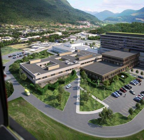 SLIK BLIR DET: Denne montasjen viser korleis Nye Førde sjukehus blir sjåande ut med dei to nybygga på austsida. Bygningen til venstre er det nye psykiatribygget som blir første byggesteg. Til høgre for dette, og knytt saman med høgblokka, kjem tilbygget for m.a. operasjonsstover.
