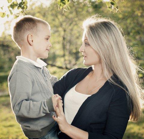 – Barnehagen gir en strømlinjeformet oppdragelse, skriver Ingjerd Braathen og ønsker at det skal bli lettere for foreldre å ta tilbake denne oppgaven.