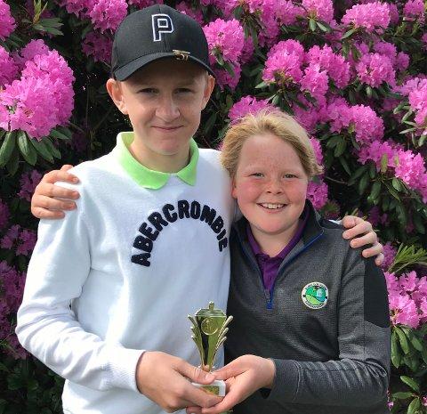 FORNØYDE: Philip Halvorsen og Jonas Nilsen Hesjedal var fornøyde med egen innsats under Narvesen Tour på Borre golfbane.