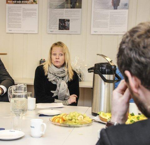 – HELT SPESIELT: Fagleder Ingeborg Grinaker Wøien fortalte om opplæring ute i arbeidshverdagen, framfor i ukjente klasserom.