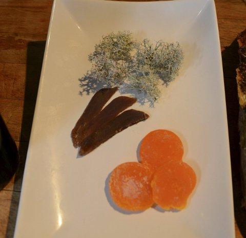 Helt lokalt: Egg og mose er på tallerkenen.