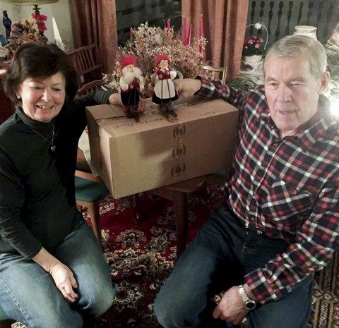 En kvart: Hos Bjørg og Magnus Langberget på Kurland kom grisen til et julepyntet hjem. Foto: Magne Storedal