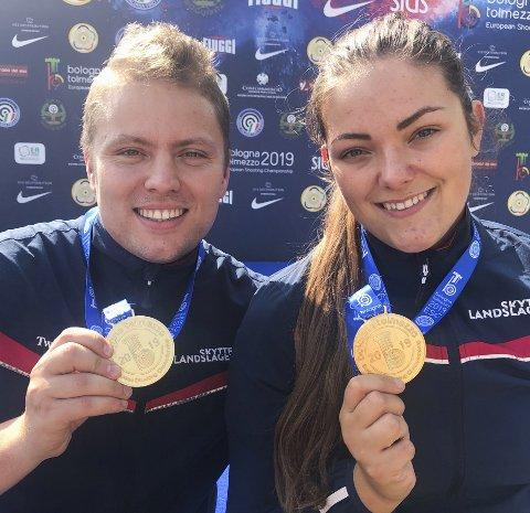 GULLDUO: Simon Kolstad Claussen (t.v.) og Jeanette Hegg Duestad vant EM-gull på 50 meter liggende lag i Bologna. Foto: Norges Skytterforbund / NTB scanpix