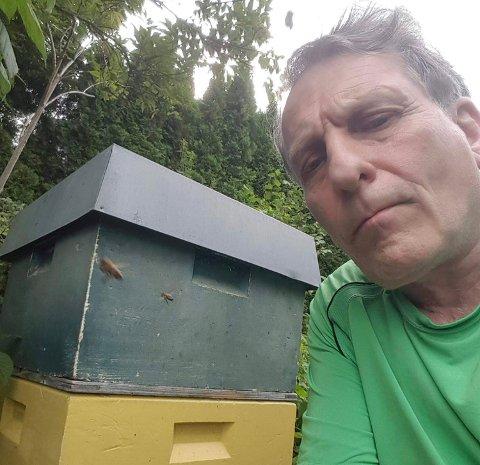 SPESIELL: - Det har vært en spesiell sesong, men bestanden av bier i vårt område er i god stand, sier leder av Lier, Røyken og Hurum Birøkterlag, Helge Nybakken.